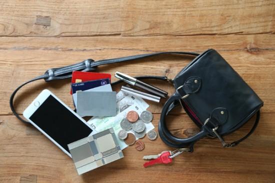 ポシェット形のお財布