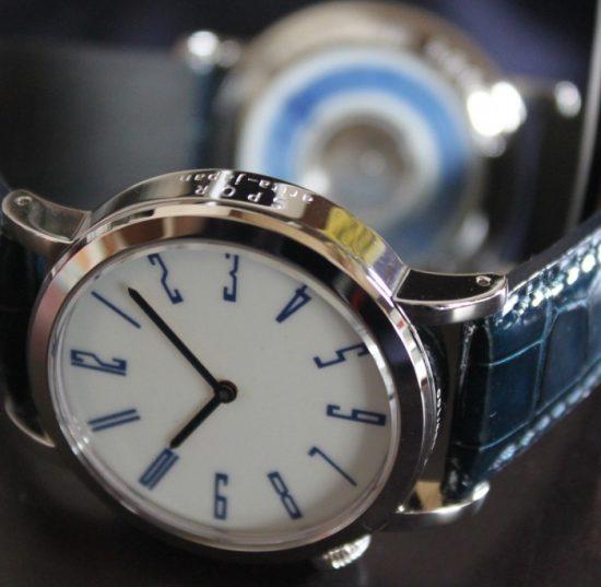 arita 400 機械式腕時計 の全景